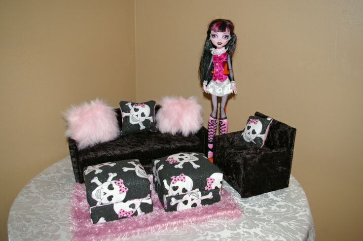 1000 Ideas About Monster High Dollhouse On Pinterest Monster High House Barbie House And