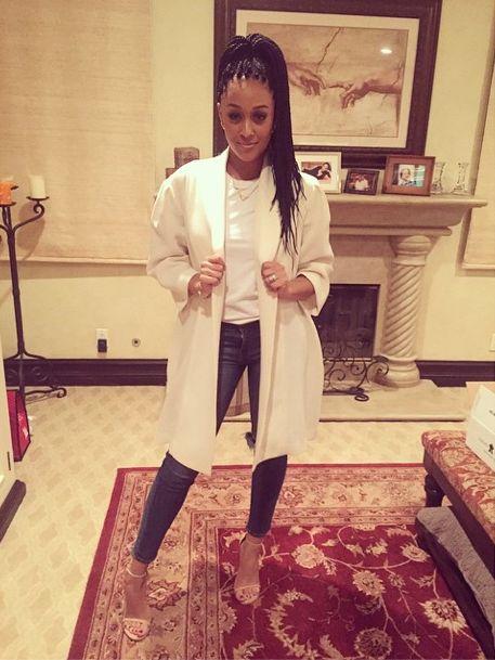 Oversized cream THEORY blazer #TiaMowry #celebs #style