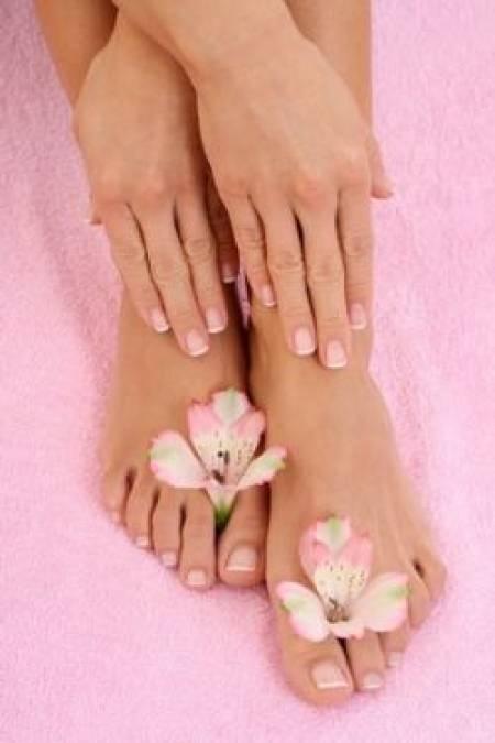 ¡Servicios de Pedicura y Manicura publicados en Vivavisos! http://en-forma-salud.vivavisos.com.ar/belleza-cuidado+retiro/manicuria---pedicuria---masajes/47662644