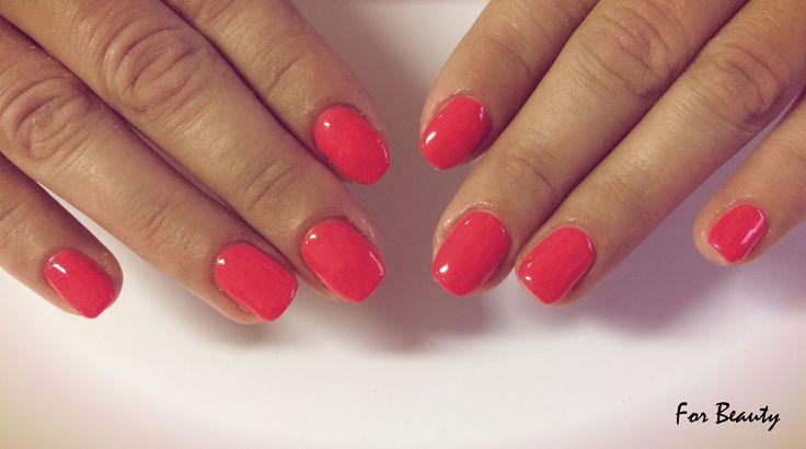 klasyczny manicure hybrydowy - salon kosmetyczny For Beauty