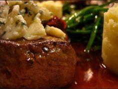 viande rouge en sauce au vin rouge, marchand de vin