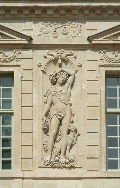 Hôtel de Sully - bas-relief - sculpteur Jean Goujon