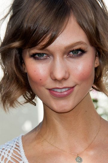 Haircut : Cara en forma de corazón de Karlie Kloss: Karliekloss, Hairstyles, Bobs, Karlie Kloss, Makeup, Shorts Haircuts, Carboxylic Block, Hair Inspiration, Victoria Secret Angel