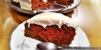 Συνταγή για υπέροχο Red Velvet Cake με γλάσο κρέμας τυριού!