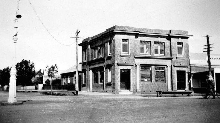 Colac, Victoria, Australia - 1930. Image courtesy of Museum Victoria
