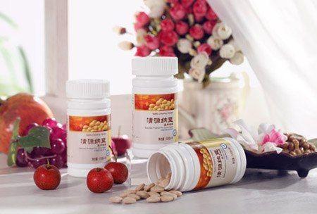 """Главными компонентами """"Сосновой пыльцы с женьшенем"""" являются пыльца сосны и экстракт женьшеня (гинзенозид). """"Сосновая пыльца с женьшенем"""" обладает полезными свойствами, снимающими усталость и повышающими иммунитет. Женьшень - король среди китайских лекарственных растений, он имеет сильные оздоравливающие функции. Если что-то нет на сайте обращайтесь в скайп svet12314 ,,http://makedoniy2014.wix.com/newera-group"""