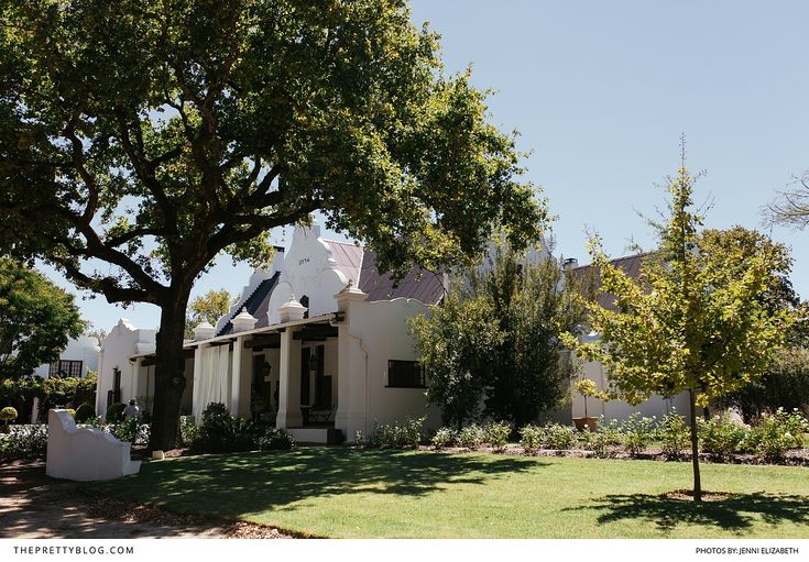 The architecture's old-world splendour and the vineyards' lush greenery made this couple fall in love with the winelands.