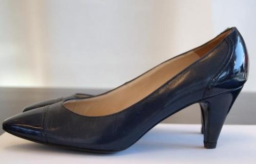 Bl mrkmarineBally sko fra 80-tallet Made in England 100% lr str. 4 1/2 Second hand