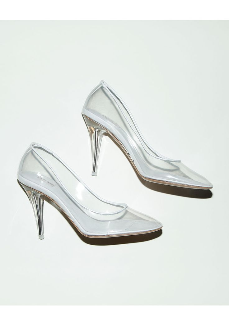The Glass Slipper For The Modern Cinderella, Marc Jacobs, transparent pump, lucite, heels, fashion, shoes