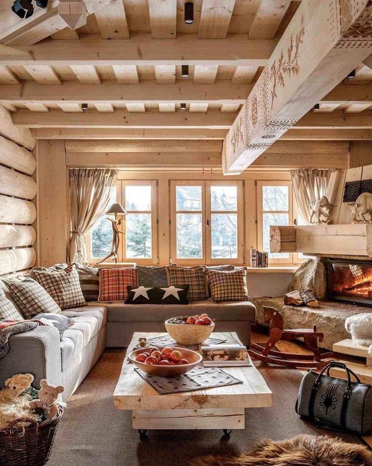Люстры в гостиную с низким потолком фото притягивает туристов