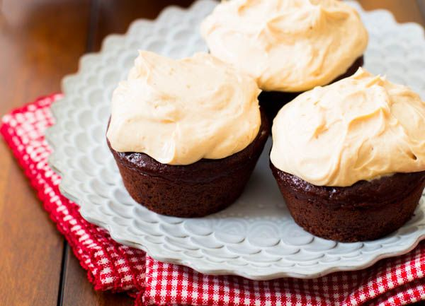 Butter Greek Yogurt Frosting. A creamy, thick, protein-packed frosting ...