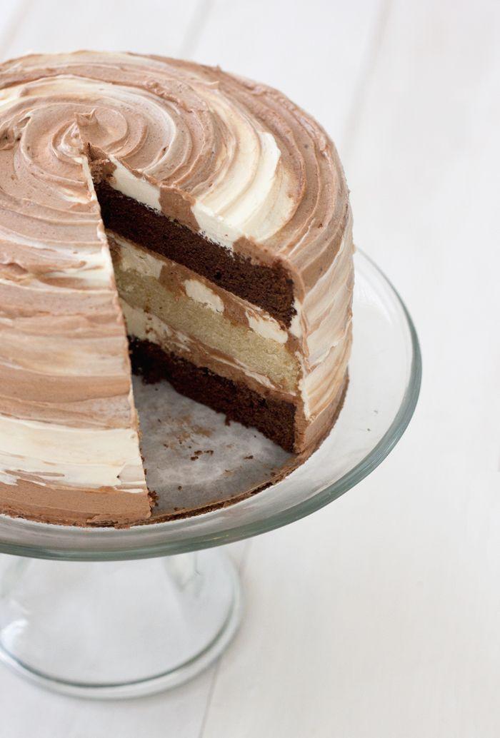 chocolate and vanilla swirl cake - looks yummy!