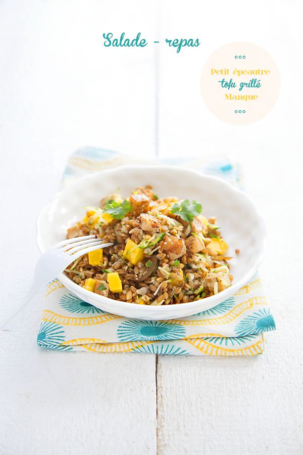 Salade-repas au petit épeautre, tofu grillé et mangue
