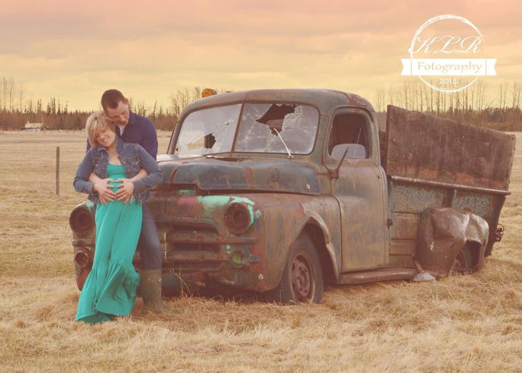 Facebook.com/klrfotography, maternity photo, poses, ideas, truck, country style, maternity dress , cute couple