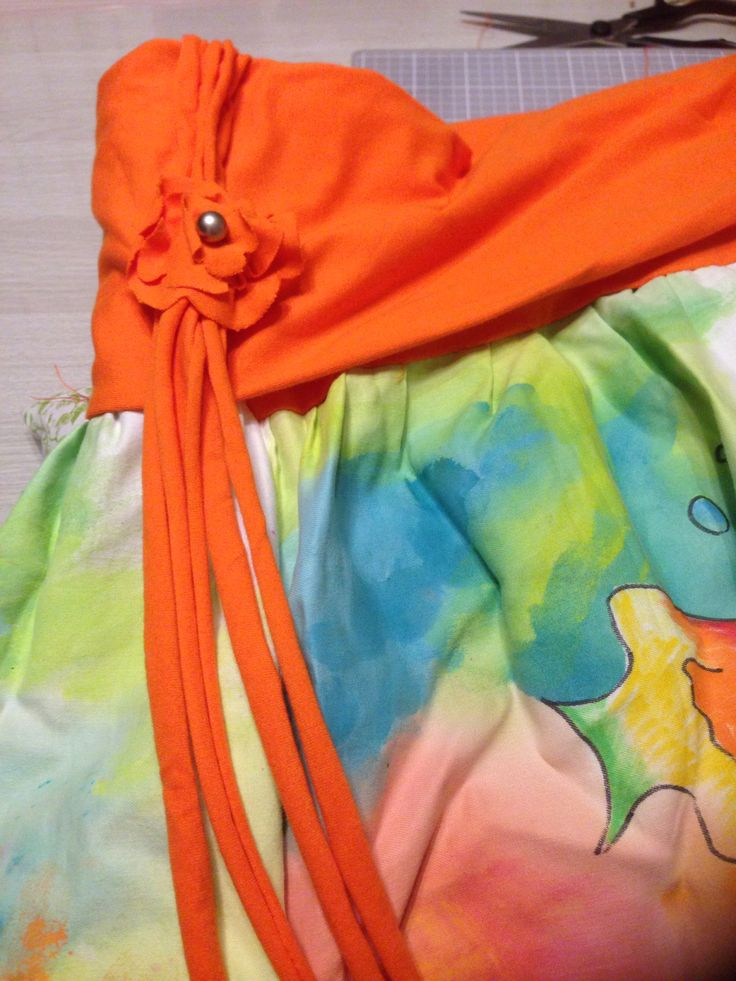 Jersey flower detail on skirt.