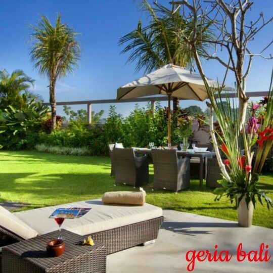 "3 bedrooms private villa located in #south-west of Bali near the peaceful #Balinese village of ""#Umalas"" blessed with #beautiful view, only 10 min from the trendy #Seminyak area.  www.geriabalivacation.com/villa-bugenvil/  #bali #beautifuldestinations #indo  #geriabali #luxuryworldtraveler #luxwt #holiday #vacation #hgtv #destinosmaravilhososbyeli #tgif #thegoldlist #magicpict #sassychris1 #travellerworld #lycianman #bgbk #balivilla #baliholiday #balibible #tbt #golden_heart #indonesia…"