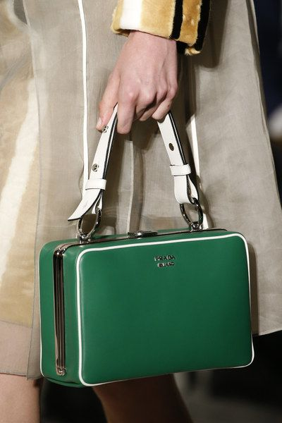 Prada Spring 2016 Ready-to-Wear Accessories Photos - Vogue I would never spend this much money on a purse, but WOW!!!