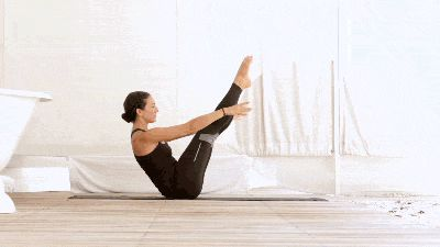 Navasana, Full Boat Pose Variation, Cybele Dewulf Good for core strength and balance.