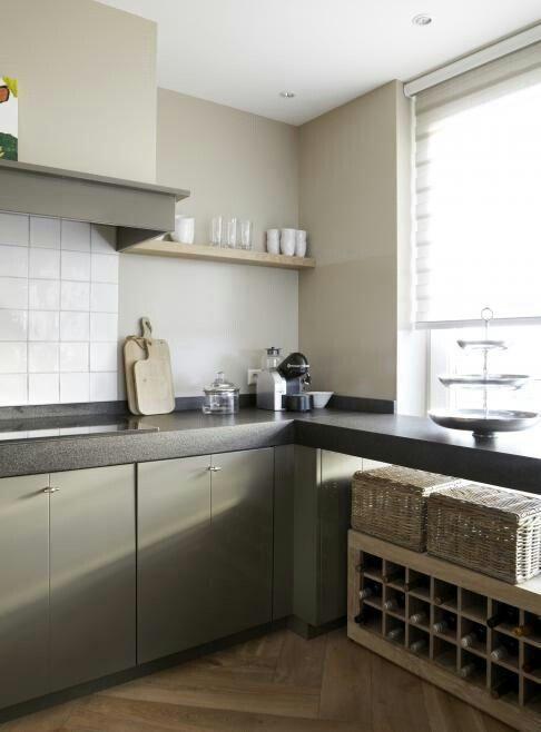 17 beste idee n over keuken koof op pinterest kroonlijst keuken wit kookeiland en keukenkast - Keuken kleur ...