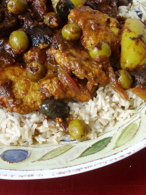 Chicken Tagine with Olives - Moroccan food. Mmmmmm