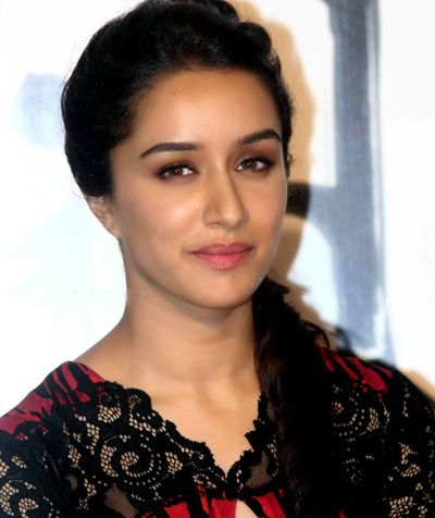#DishaPatani #TigerShroff #ShraddhaKapoor श्रद्धा की तरह दिखती हैं टाइगर की गर्लफ्रैंड दिशा:- http://bollywood.localaddress.in/news-Tiger-Shroff-Girlfriend-Disha-Patani-Walked-Out-Baaghi-Movie