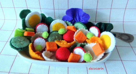 Felt Salad, Felt Food, Felt Vegetable Lettuce Tomato Cucumber Radish Carrot Pea Pasta Egg, pretend play food toy kitchen, Montessori Toy