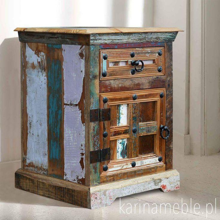 """Szafka """"Wewood Loft Colors"""" spodoba się zwolennikom stylu eko. Zrobiono ja z drewna z recyklingu. Każda szafka jest inna, nie ma dwóch takich samych. Szafka ma szuflada i drzwi. Szafka idealne pasują idealne do meble loftowe i meble industrialne."""