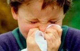 AIRLIFE te dice. La rinitis es la inflamación de la mucosa nasal que es muy molesta y sus síntomas son estornudos irrefrenables continuos, congestión nasal, el picor de nariz y la destilación acuosa. Creando un deterioro importante en la calidad de vida