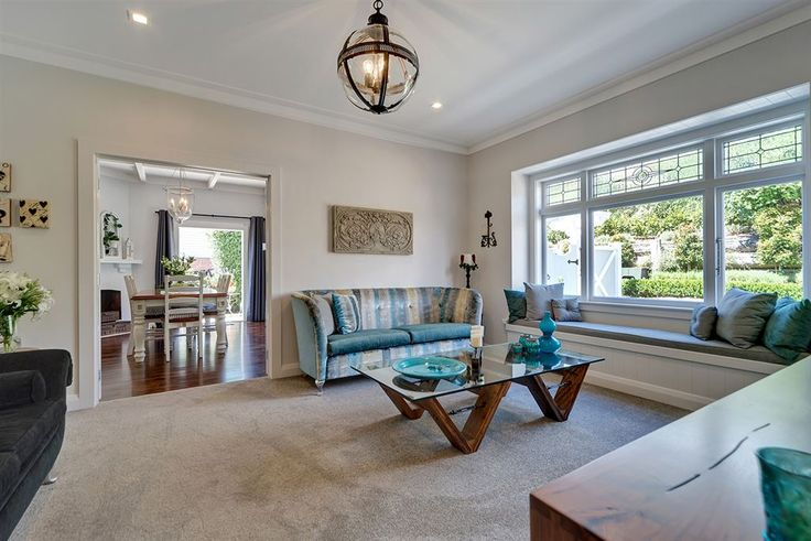 Meticulously refurbished and extended by true craftsman builders, with attention to detail from the traditional dado panelling and lead lights to the shingled bay windows. 5 The Drive   #Auckland City   New Zealand   Luxury Property Selection