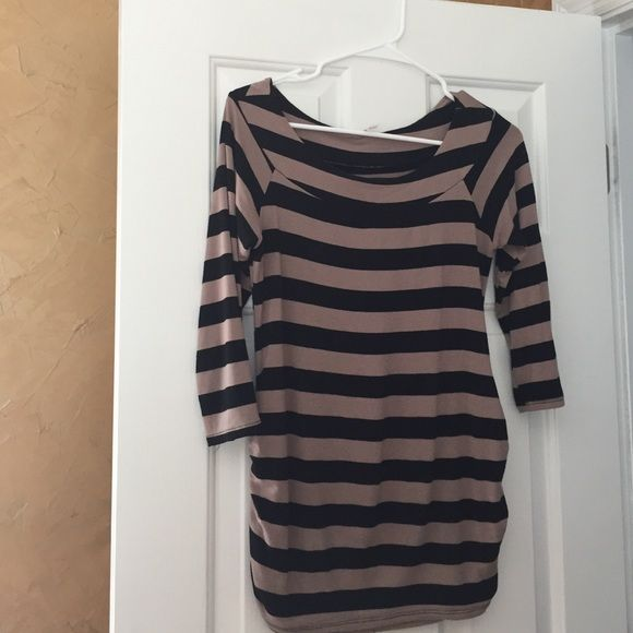 Madigan maternity top- from Stitch Fix Madigan maternity top. Like new.  Size M. From Stitch Fix.  Perfect with black slacks for the office. 👠👛 Madigan Tops Blouses