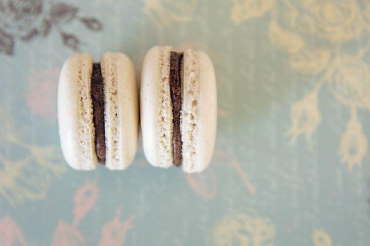"""mon MACARON"" - chocolate ganache 70-85%"