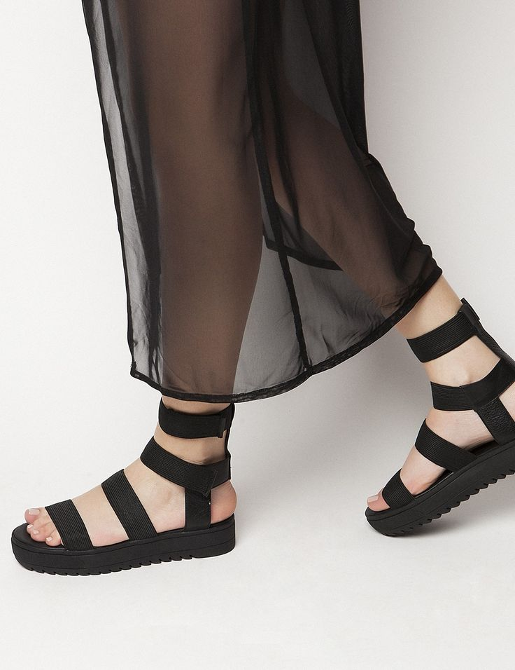 Jesse Black Flatforms S/S 2015 #Fred #keepfred #shoes #collection #fashion #style #new #women #trends #flatforms #lastixa #sandals #black