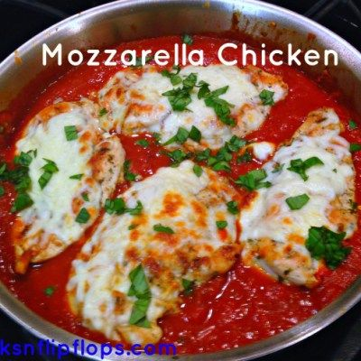 Mozzarella Chicken Marinara! I just made this quick 15 min dinner last night! So easy and so delicious! Forks N Flip Flops -