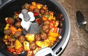 Meatball Special With Peppers And Taters (Actifry) - RecipeZazz