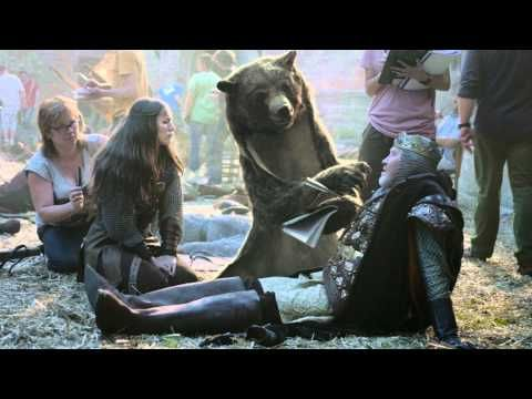 Canal+ bear director advertisement - Not only genius special effects, but a great twist.