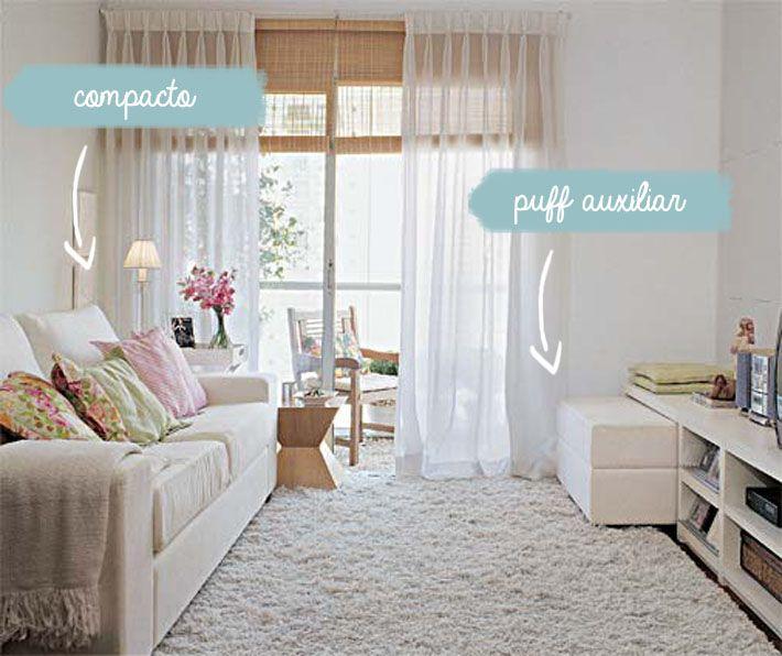 """Na hora de escolher os móveis da sala, geralmente pensamos """"quanto mais lugares para a família e os amigos sentarem melhor"""". É nesse momento que podemos cometer um erro grave comprando um sofá de três e outro de dois lugares o que deixará a sua sala menor ainda. No caso de uma sala pequena, vale …"""