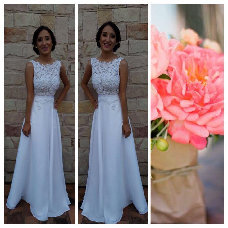 Preciosa Vanina el día de su colacion, falda campana, escote recto enteramente bordado y lazo de gross en cintura #perlas #vestidos #marijocastillo