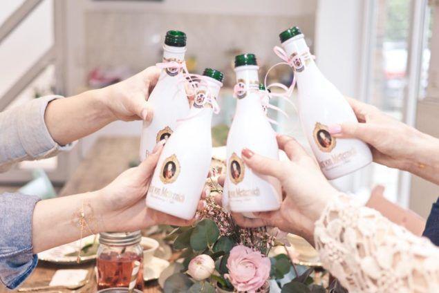 Eine weiße #Hochzeit verlangt nach dem perfekten Sekt. Besonders in der Frühlingszeit genießen wir doch gerne ein prickelndes Glas und stoßen damit an. Fürst von Metternich Chardonnay passt perfekt zu dem formellen Anlass. #fürstvonmetternich #wedding #White #sparkling