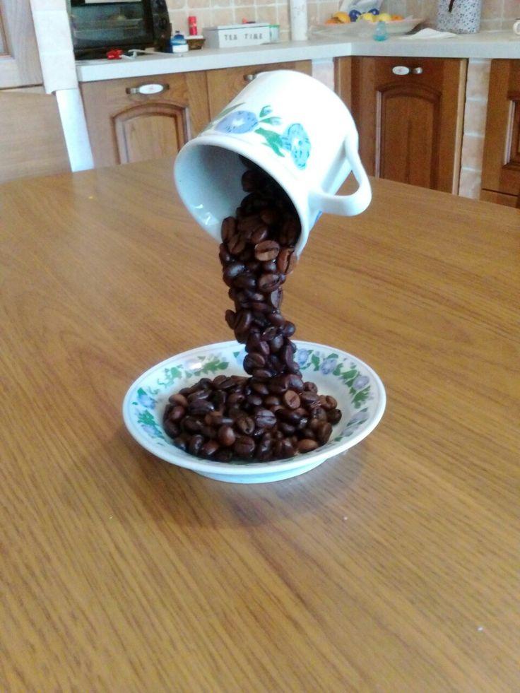 Tazza di caffè volante !