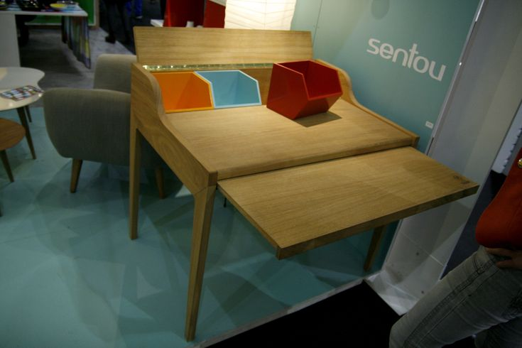 Remix Desk - The Desk Oak - Multicoloured compartments by The Hansen Family - Design furniture and decoration with Made in Design