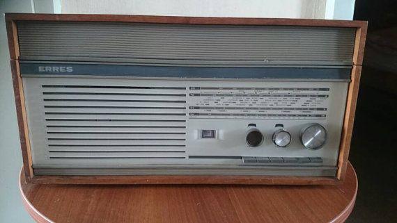 Bekijk dit items in mijn Etsy shop https://www.etsy.com/nl/listing/285393169/vintage-tube-radio-erres-ra-655-ps-dutch