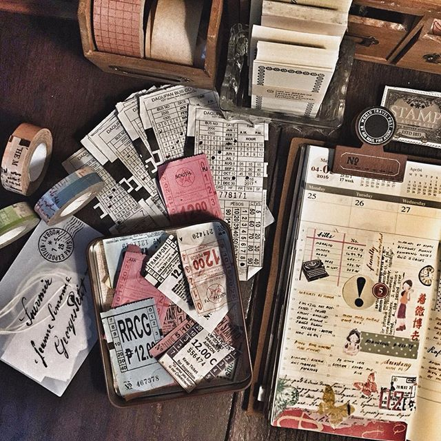 First half of my week and some local bus tickets I've collected😉  #midoritravelersnotebook #travelersnotebook #travelersnote #notebook #plannerpages #planner #agenda #diary #journal #stationery