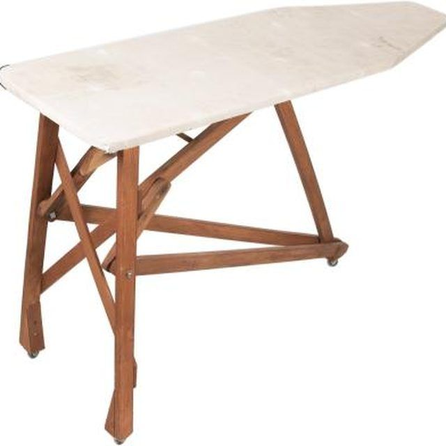 Antique ironing boards fits in both country or primitive decor. - 25+ Unique Antique Ironing Boards Ideas On Pinterest Rustic
