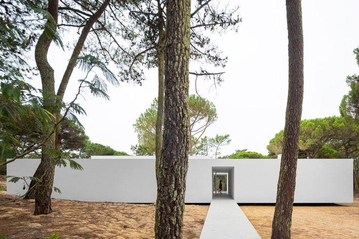 Frederico Valsassina Arquitectos | Casa no Banzão - Portugal
