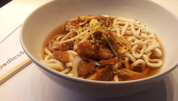 El Udon Noodle Barde de Puerto Venecia: fideos japoneses, casual food y Feng-Shui