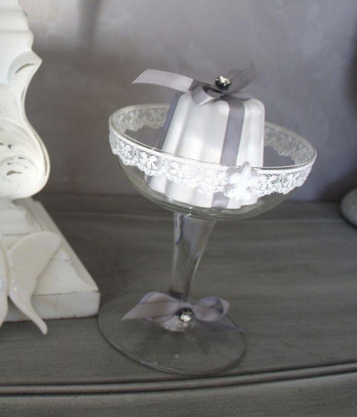 DUO de Cannelés en platre parfumé dans coupes de champagne : Accessoires de maison par la-cage-a-deco