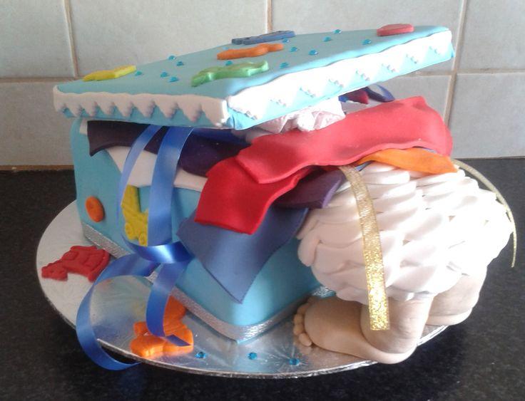 Peeping baby cake