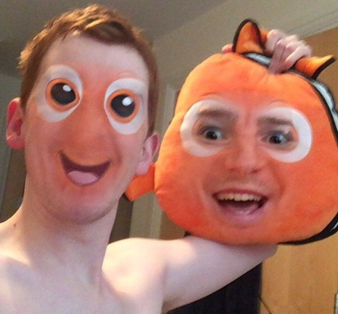 12 Perfect Snapchat Faceswaps #funny pic.twitter.com/NKLQHEk2e1 http://ibeebz.com