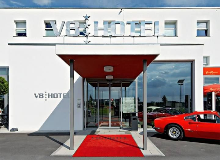 Best hotel for motomaniacs