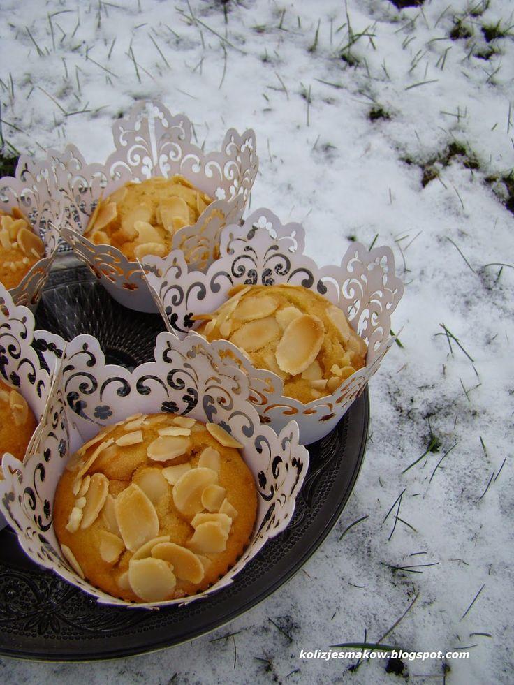 Muffinki migdałowe z marcepanem